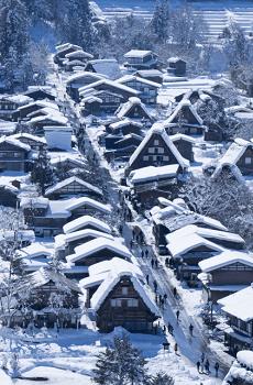雪の合掌造り