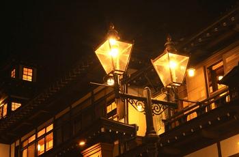 街灯と家の灯り
