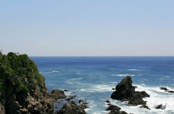 岩礁と海の風景