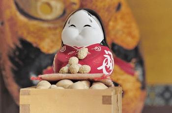 おかめの人形と福豆