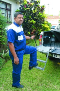Eric Fredericks demonstrates the simplicity of Bigstep. Photo credit: The Editor, KZN Industrial & Business News and Eastern Cape Industrial Business News