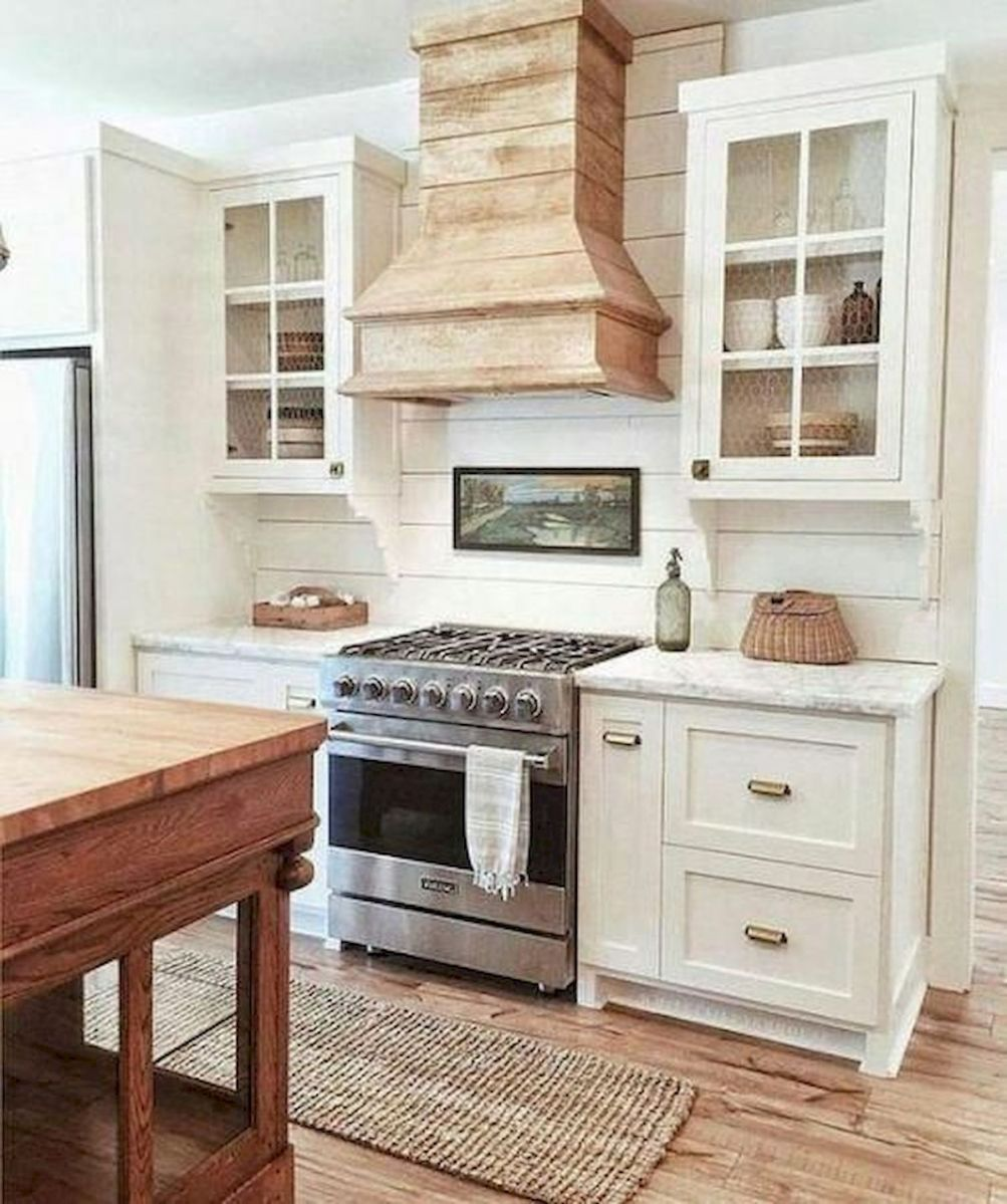 70 Suprising White Kitchen Cabinets Design Ideas (26)