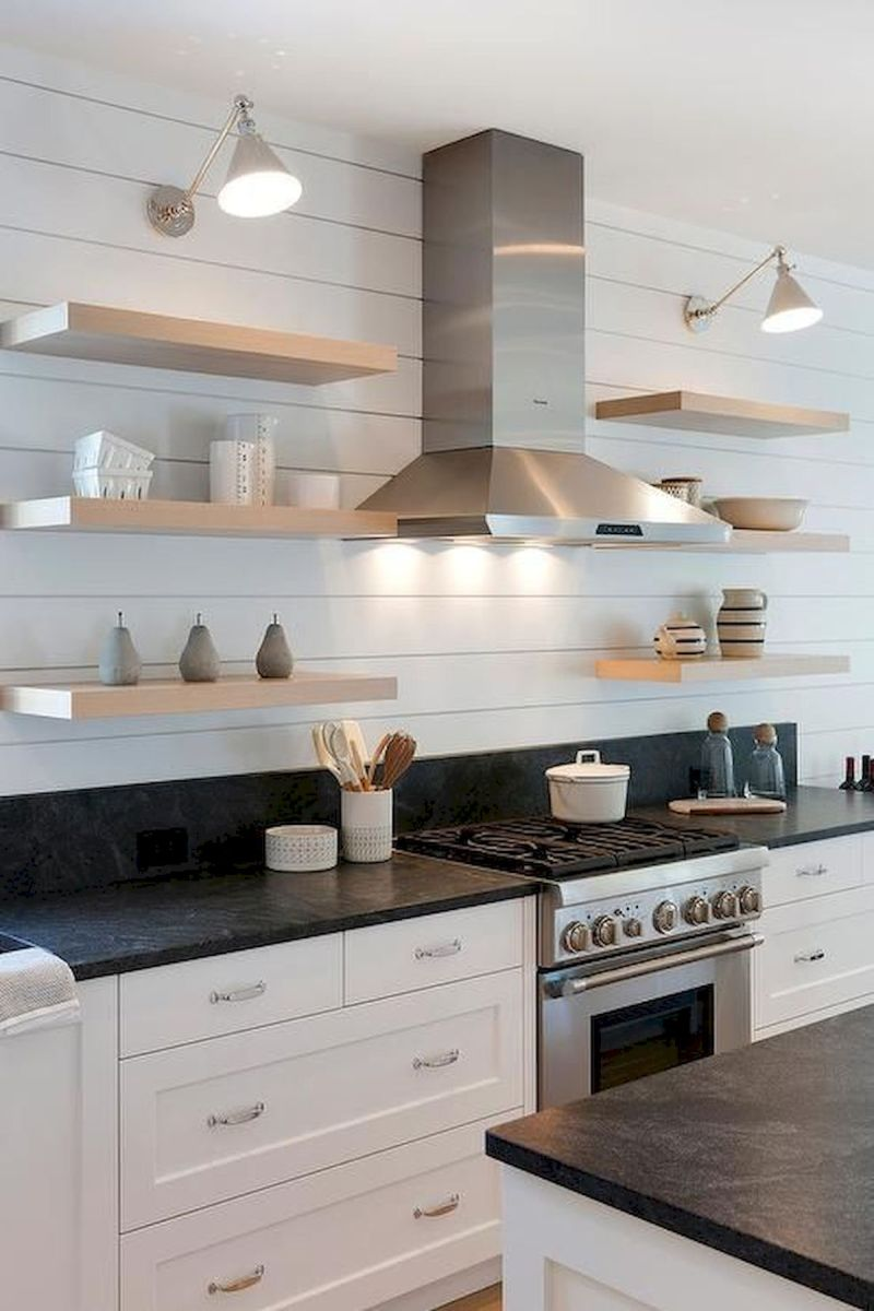 70 Suprising White Kitchen Cabinets Design Ideas (30)
