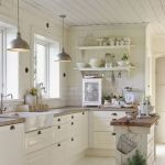 90 Beautiful Small Kitchen Design Ideas (31)