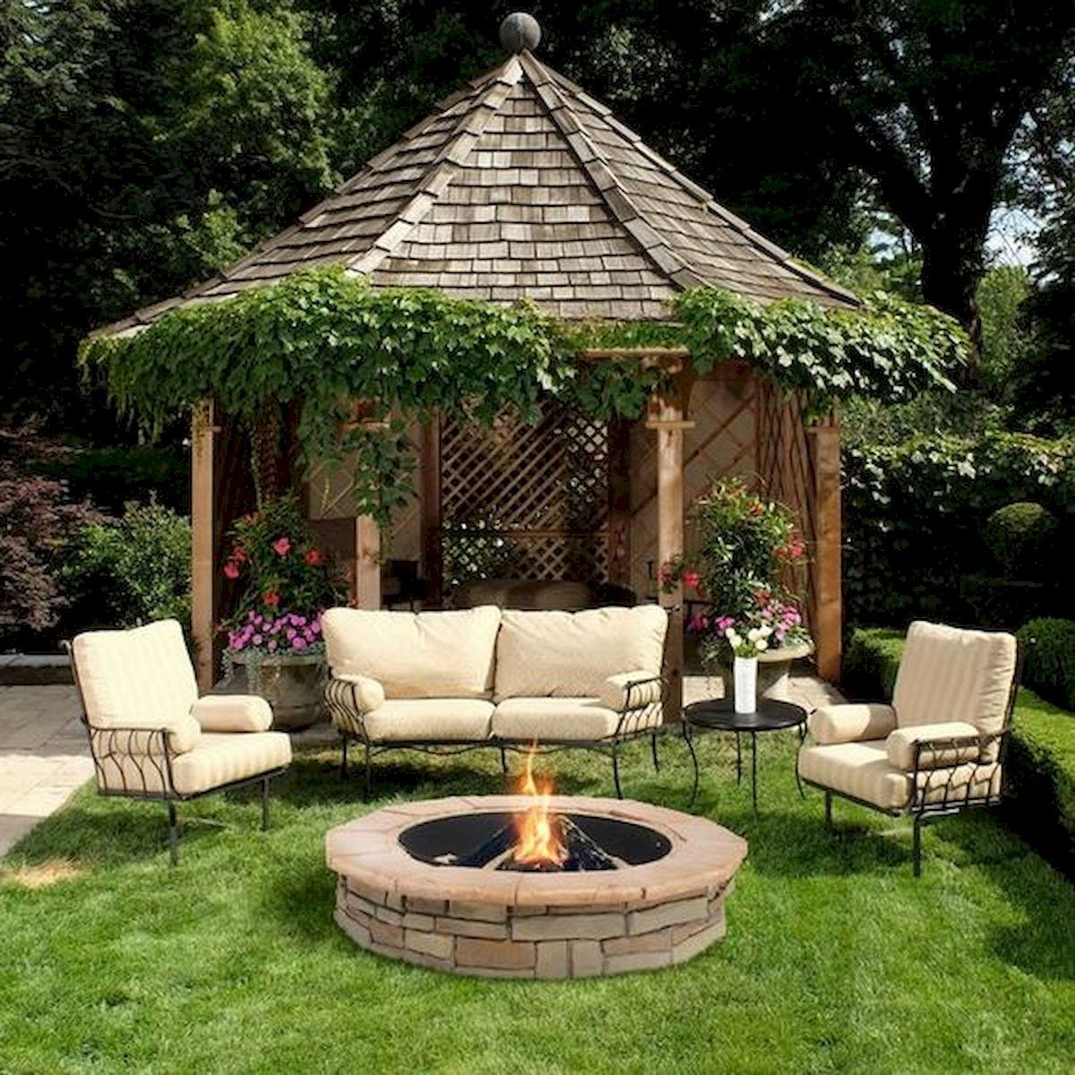 57 Awesome Backyard Fire Pit Ideas (13)