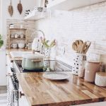 37 Farmhouse Wall Decor Ideas for Kitchen (25)