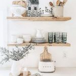 37 Farmhouse Wall Decor Ideas for Kitchen (33)