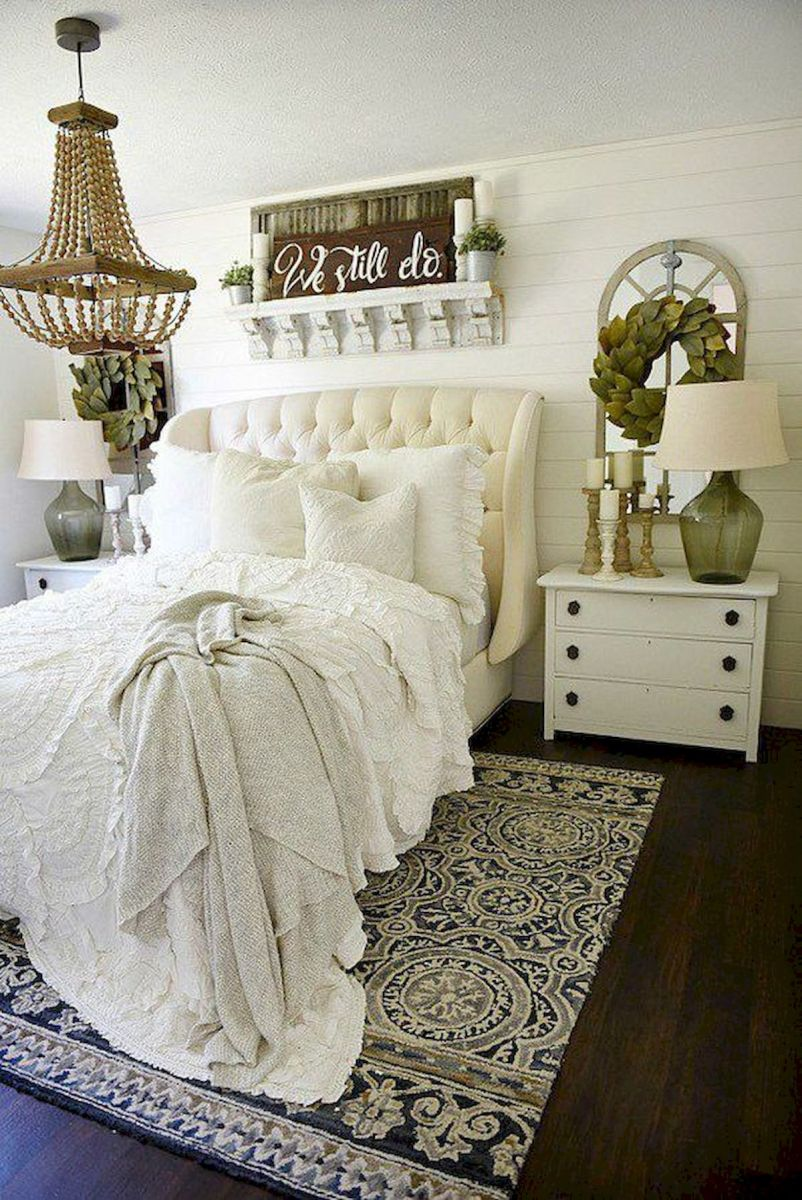 53 Farmhouse Wall Decor Ideas for bedroom (2)