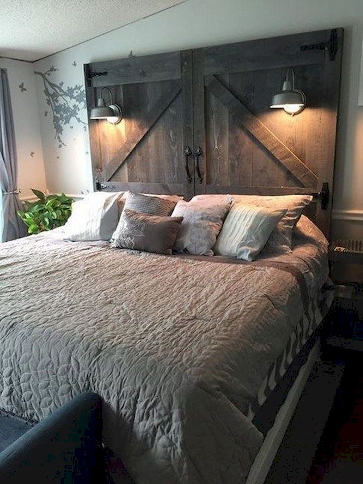 Inexpensive diy bedroom decorating ideas on a budget 47. 53 Farmhouse Wall Decor Ideas for bedroom (39) - Ideaboz
