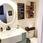 59 Best Farmhouse Wall Decor Ideas for Bathroom (12)