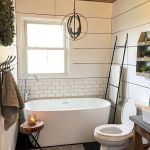 59 Best Farmhouse Wall Decor Ideas for Bathroom (17)
