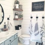 59 Best Farmhouse Wall Decor Ideas for Bathroom (39)