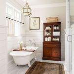59 Best Farmhouse Wall Decor Ideas for Bathroom (47)