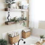 59 Best Farmhouse Wall Decor Ideas for Bathroom (54)