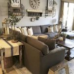 75 Best Farmhouse Wall Decor Ideas for Living Room (3)