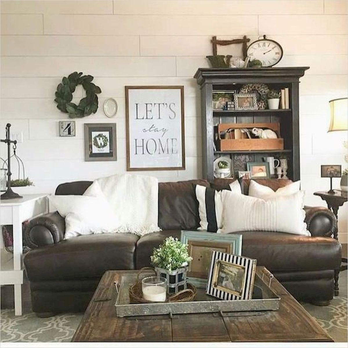 75 Best Farmhouse Wall Decor Ideas for Living Room (61)