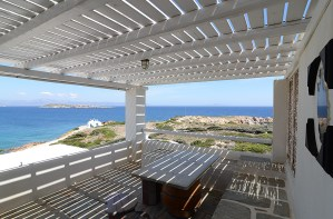 If you want to live your myth in Greece, then visit Martineli Residence Paros