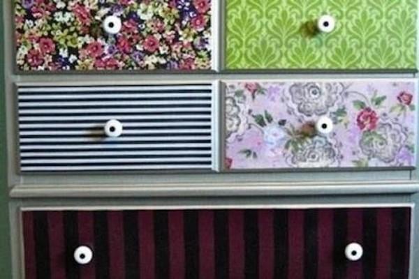 Decorare mobili con carta da parati Ecco 20 idee