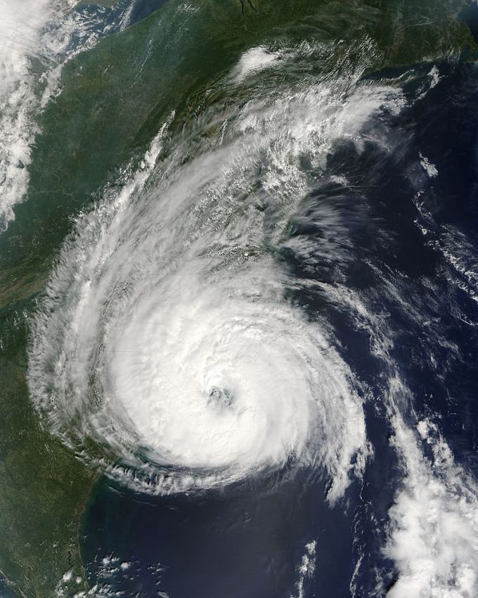 800px-Hurricane_Ophelia_14_sept_2005_1605Z