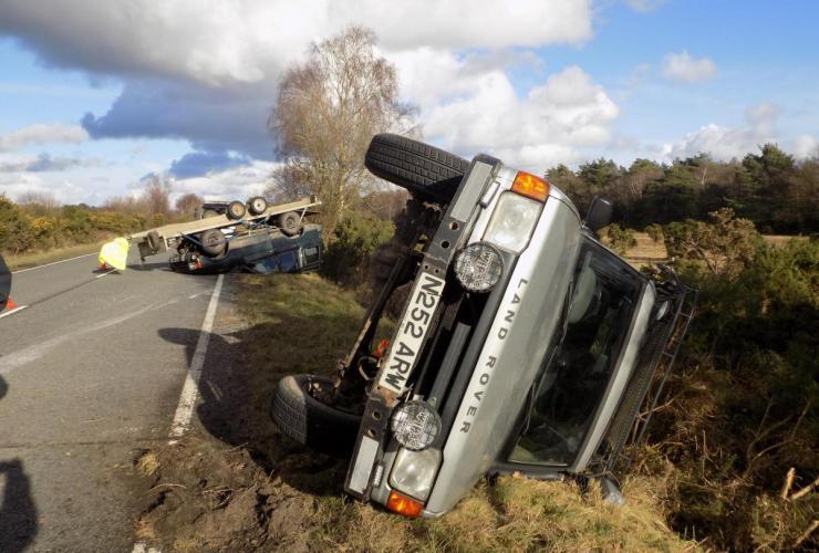 land rover discovery crash