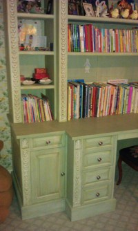 Hand painted kids desk | Ideal Cabinets Inc.