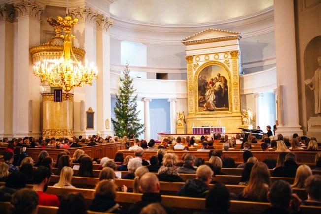 Joulukonsertti kirkossa.