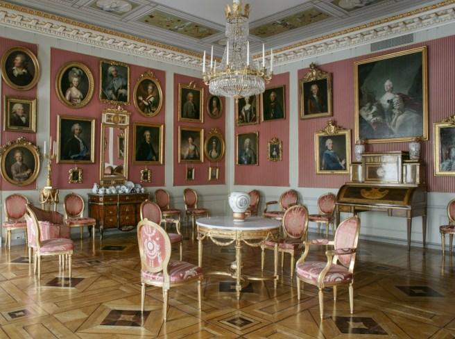 Kustavilainen salonki - Sinebrychoffin taidemuseo. Kuva: Arno de la Chapelle / Kansallisgalleria