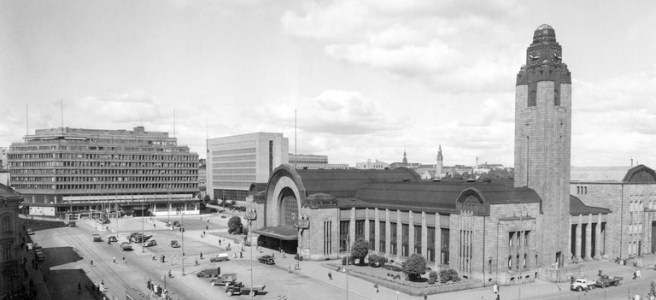 Helsinki railway station is one of the buildings designed by Eliel Saarinen. Image: Pietinen Aarne Oy / Helsinki City Museum.