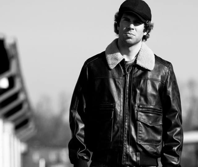 Josh Urban - Guitarist, Vocalist and Teacher