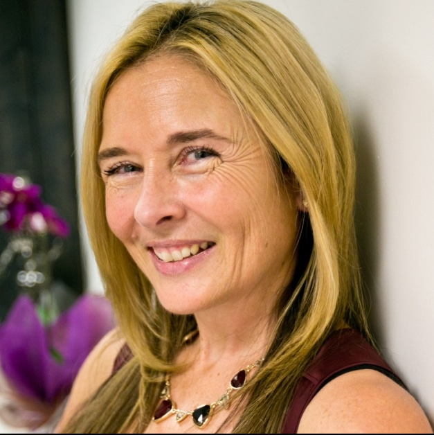 Bobbi Leach