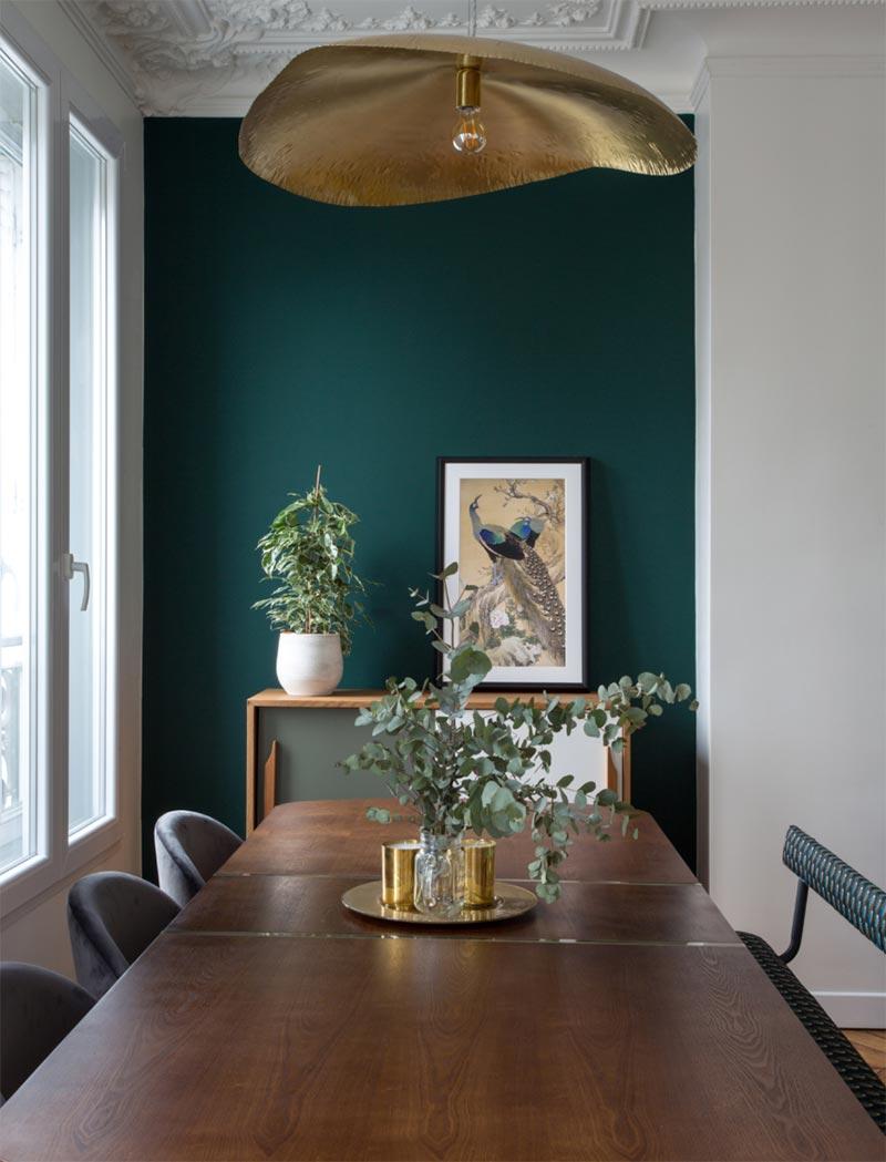Soggiorno un bellissimo esempio di abbinamento in stile shabby per il soggiorno che fonde anche con la modernità è abbinare un arredamento chiaro, come poltrone a righe bianche e grigie, divano a doppio colore. Pareti I Colori Di Tendenza Idea Ristruttura