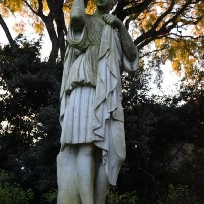 alguna de las esculturas del parque de villa ocampo