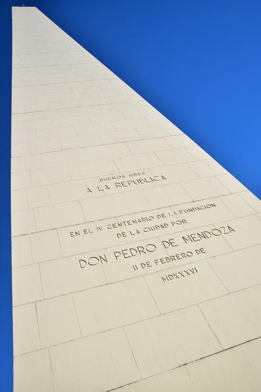 Subiendo al Obelisco Porteño en su cumpleaños - Buenos Aires