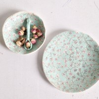 Textures and Floral Patterns in Dorotea Ceramics