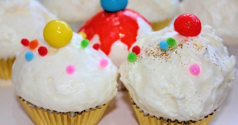 Decorar el escaparate o el árbol de Navidad con cupcakes