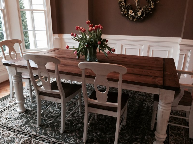Traditional Farmhouse Style Dining Table