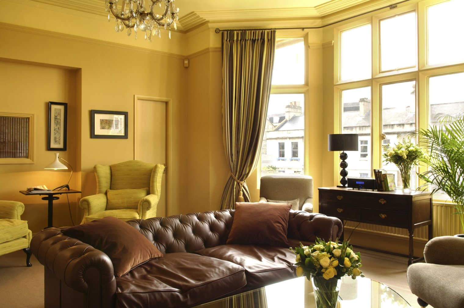 Affordable Ideas For Decorating Living Room Interior