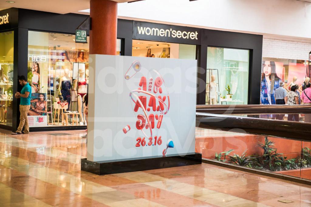 Publicidad en Mamparas en Centros Comerciales  Ideas