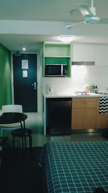 Unit 911 268 Flinders Street Home@Flinders Melbourne Studio by Ideas Dispenser 2016 kitchen corridor view