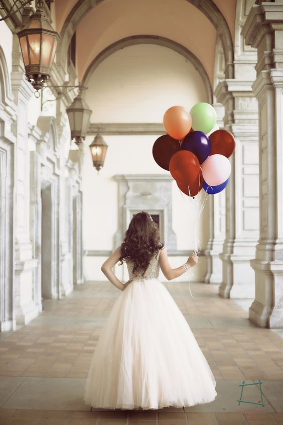 ideasdesesiondefotosdexvanos21  Ideas para Fiestas de quinceaera  Vestidos de 15 aos invitaciones de quinceaera