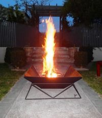 How to DIY a Fire Pit for Your Backyard: Ideas and