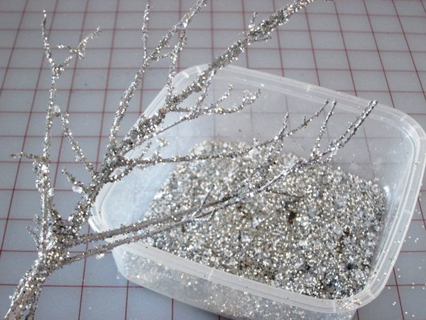 Cheap and Beautiful DIY Iced Winter Decorative Branches | Momtastic