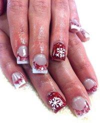 20 Pretty Christmas Nail Art Ideas & Designs 2017