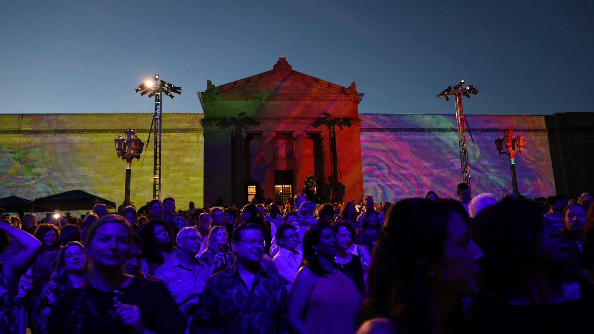 Cleveland Museum Of Art Celebrates Solstice Applause