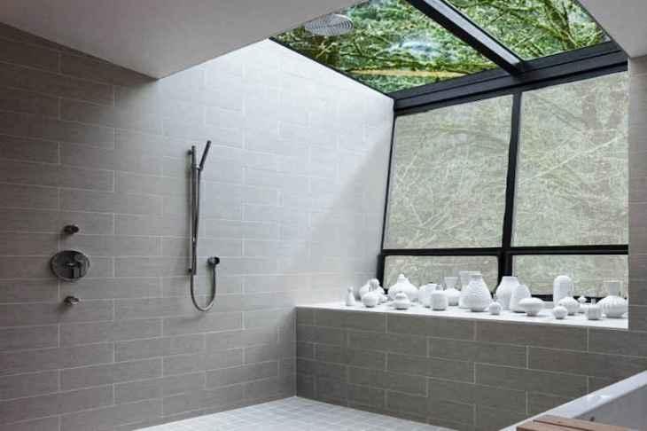 folia na oknach w łazience