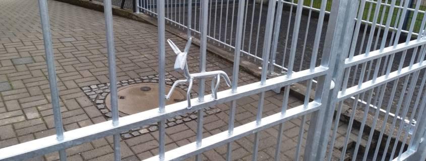 Toranlage feuerverzinkt mit Figur Pferd