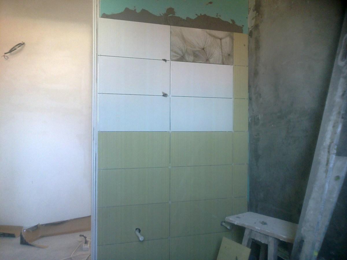 model de faianta baie alb verde