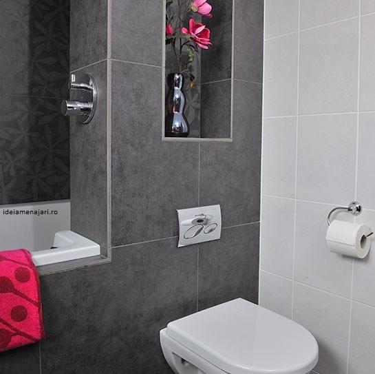 baie in doua culori alb gri