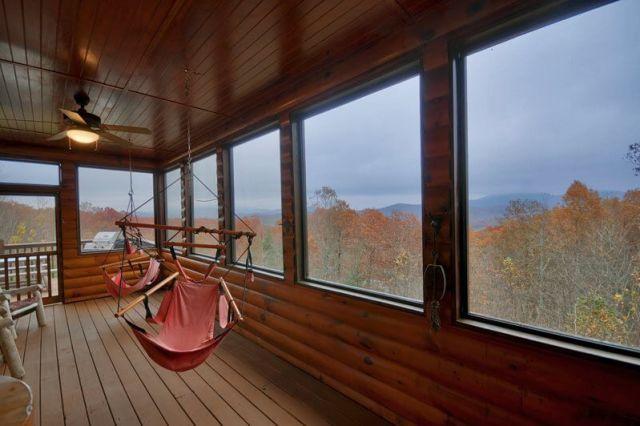 hamace in casa din lemn