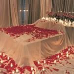 dormitor alb rosu romantic